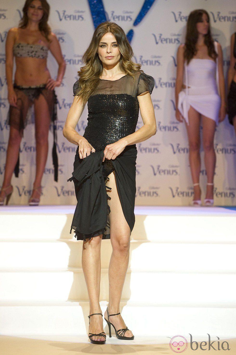 999_inma-del-moral-en-los-premios-venus-de-diseno-2011