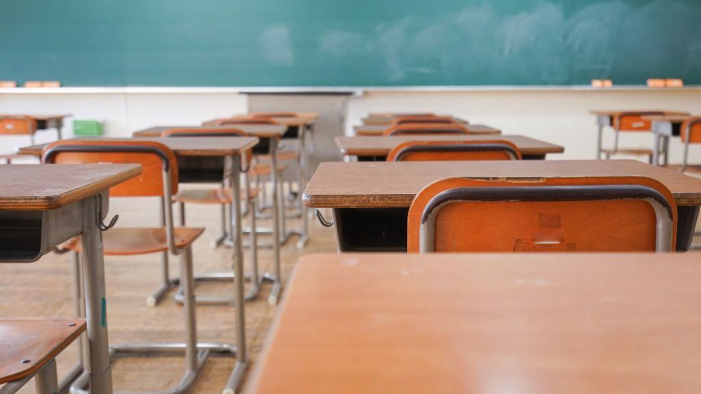 424300 clase colegio