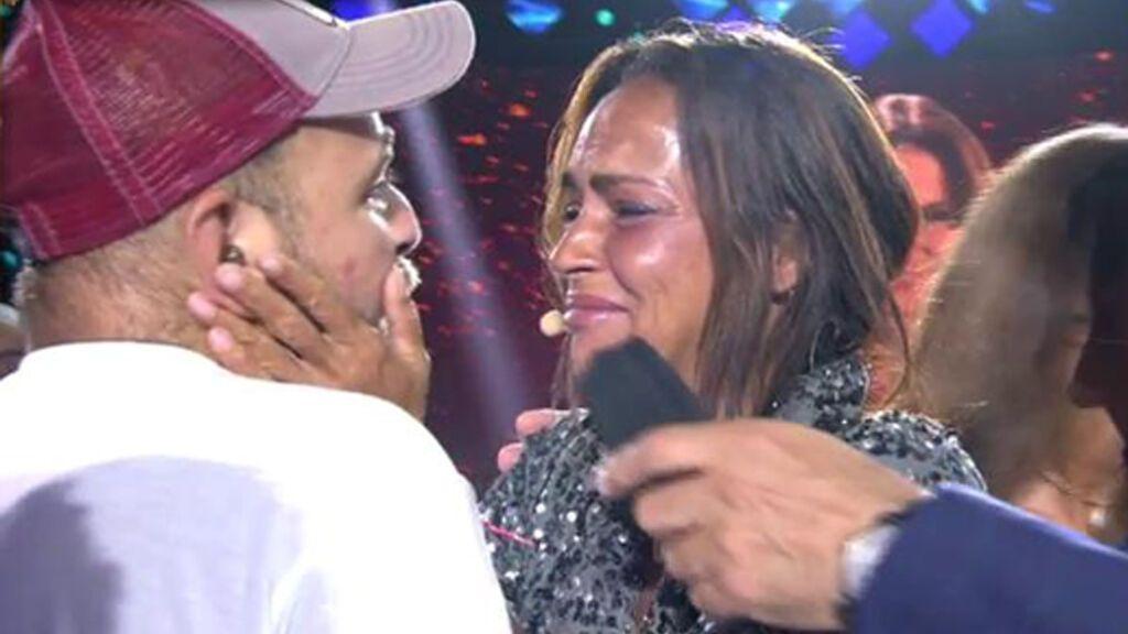 David Flores apareció por sorpresa cuando anunciaron el nombre de la ganadora